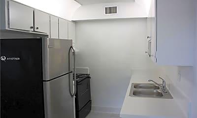 Kitchen, 374 Sunshine Dr 5, 1