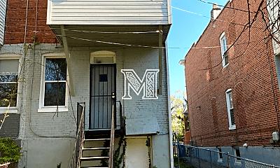 Building, 623 Dumbarton Ave, 2