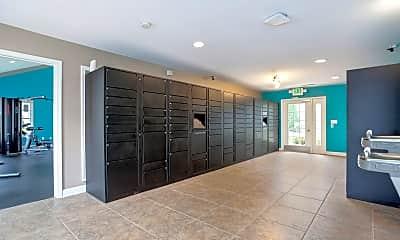 865 Bellevue Apartments, 2