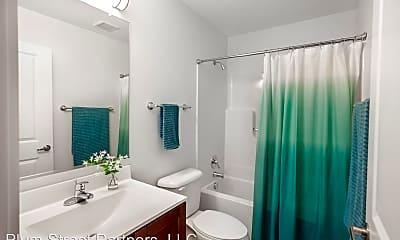 Bathroom, 219 E Bank St, 1