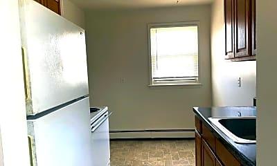 Kitchen, 1696 Newbridge Rd 2SW, 1