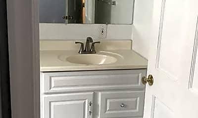 Bathroom, 1527 Union Ave, 2