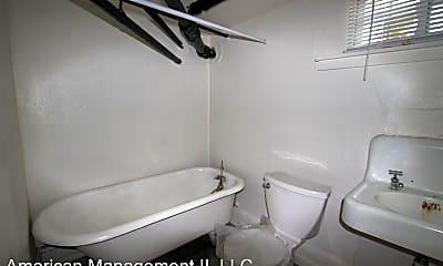 Bathroom, 918 St Paul St, 2
