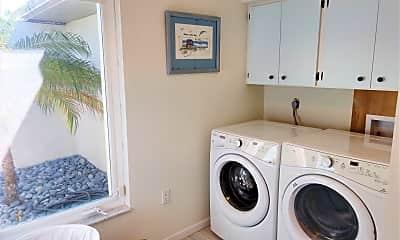 Bathroom, 514 Everglades Dr, 2