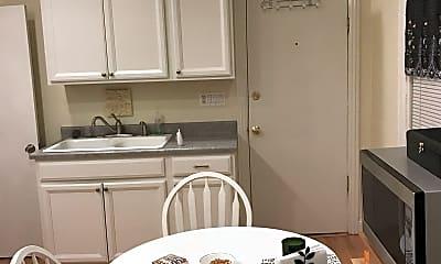 Kitchen, 905 S Aberdeen St, 1