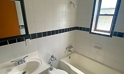 Bathroom, 131 Mt Lebanon Blvd, 2