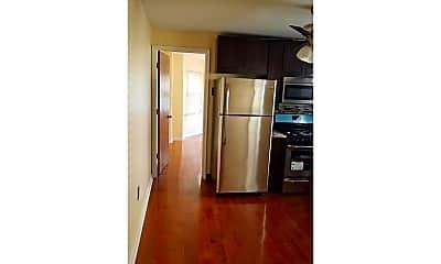 Kitchen, 1710 Federal St 2R, 2