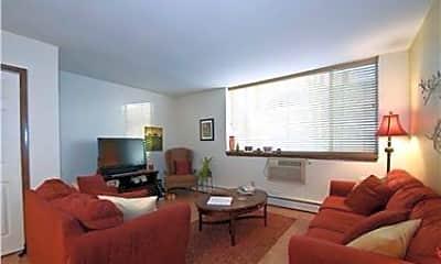Living Room, 805 E Henry Clay St 106, 1