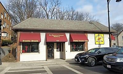 Building, 731 River St, 2