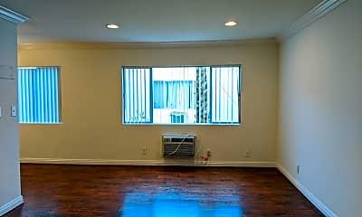 Living Room, 6023 Whitsett Ave, 1
