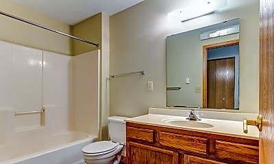 Bathroom, School Square Apartments & Townhomes, 2