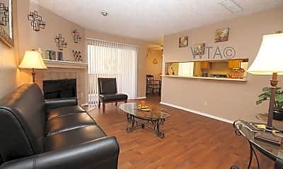 Living Room, 701 W Longspur Blvd, 1
