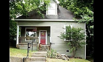 Building, 320 S Oak Street, 0