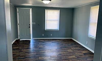Living Room, 303 W Franklin St, 1