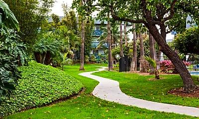 Landscaping, Harbour Lights Resort Apartments, 2