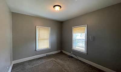 Bedroom, 554 E 140th St, 2