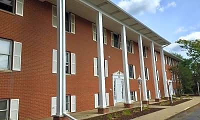 Building, 200 West Dr N, 2