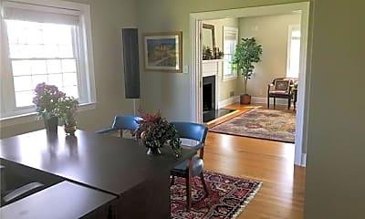 Living Room, 2329 Springs Rd NE, 2
