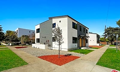 Building, 14203 Gilmore St 6453, 0