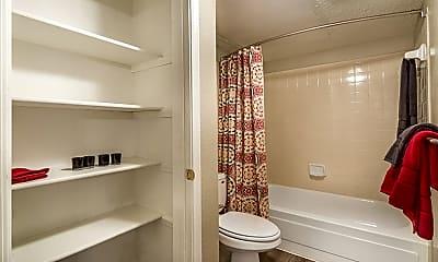 Bathroom, Jaxon, 2