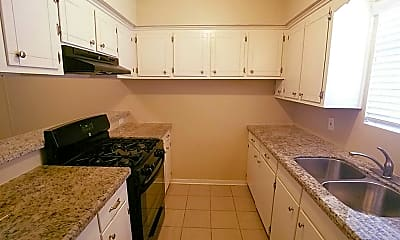 Kitchen, 7135 Kings Dr, 1