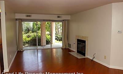 Living Room, 7048 Camino Degrazia, 1