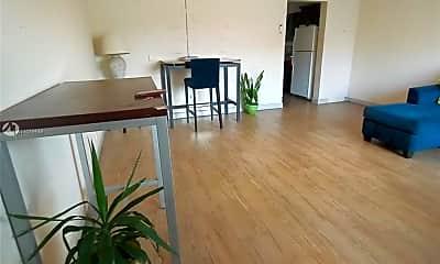Living Room, 4144 El Mar Dr 9, 0