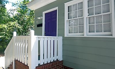 Patio / Deck, 604 Avery St, 1