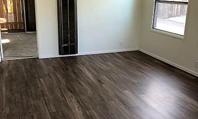 Living Room, 503 N Citrus Ave, 1