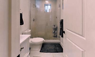 Bathroom, 44 Burton St, 2