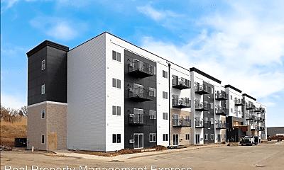 Building, 5800 Sunnybrook Plaza, 2
