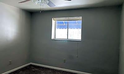 Living Room, 1645 Ardmore Blvd, 1