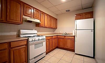 Kitchen, 159 Christopher Columbus Dr 2R, 1