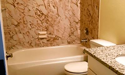 Bathroom, 5113 N Lombard St, 2
