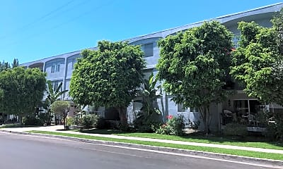 Building, 4605 Sylmar Ave, 1