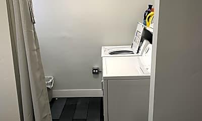 Bathroom, 3421 W McLean Ave, 2