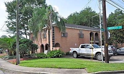 Building, 600 E University Ave, 0
