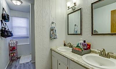 Bathroom, 110 Homestead Ave, 1