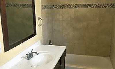 Bathroom, 2161 Lucerne Ave, 2