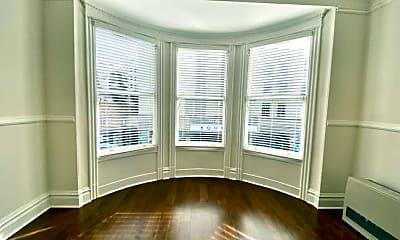 Living Room, 2050 Union St, 1