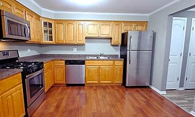 Kitchen, 1327 E Prairie Ave, 2
