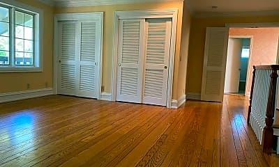 Living Room, 1021 Alegre Ave, 2