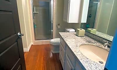 Bathroom, 2061 Paseo Reforma, 2