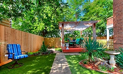 Patio / Deck, 916 NW 9th St, 2