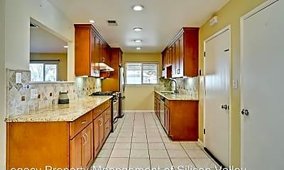 Kitchen, 4944 Augusta Way, 1