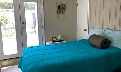 Bedroom, 422 E Market St LOWER, 1