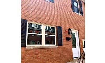 Building, 2712 Sarah St, 0