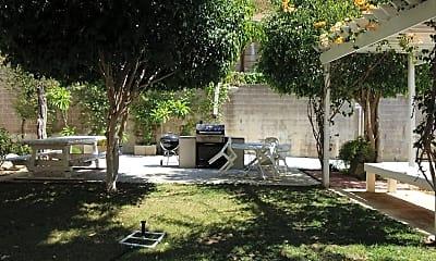 Ramona Garden Apartments, 2