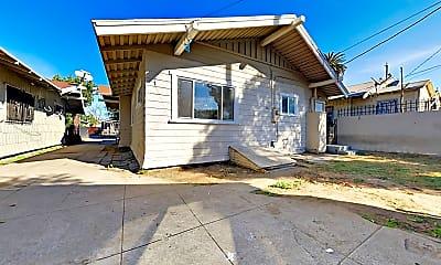 Building, 768 E 52nd Pl, 2