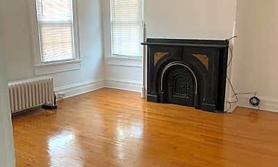 Living Room, 211 Mill St, 2